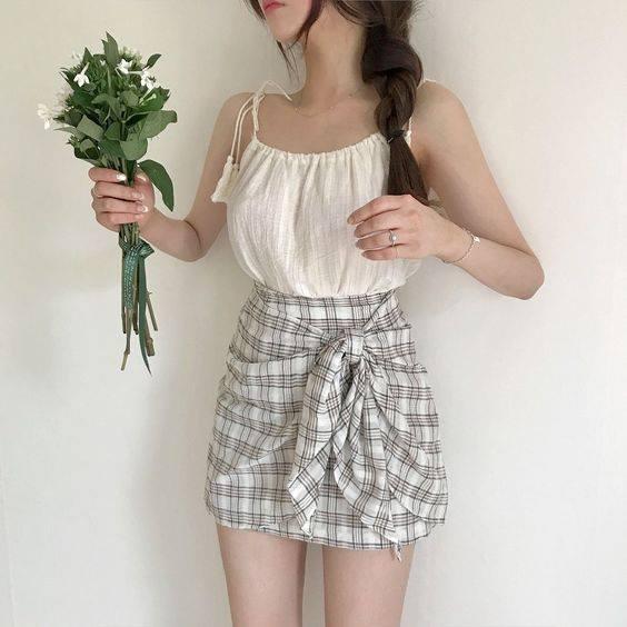 Áo 2 dây – item không thể thiếu trong tủ đồ của cô nàng sành điệu