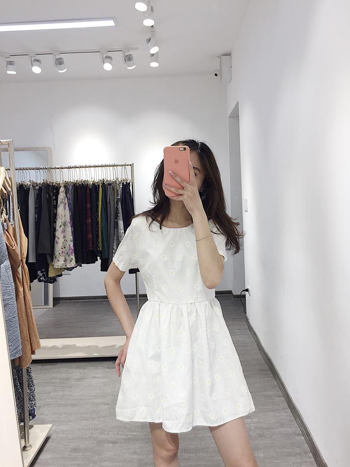 Hô biến thành tiểu thư dịu dàng với váy trắng