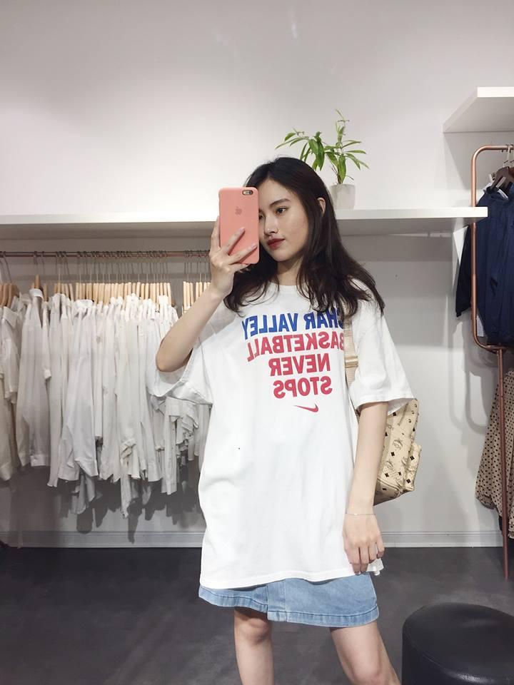 Mix áo phông trắng với vô vàn kiểu mà không hề chán