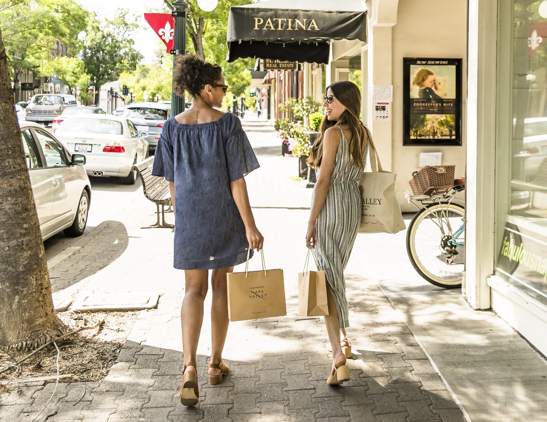 Shopping có phải là liệu pháp thần kỳ giúp giải toả căng thẳng hiệu quả?