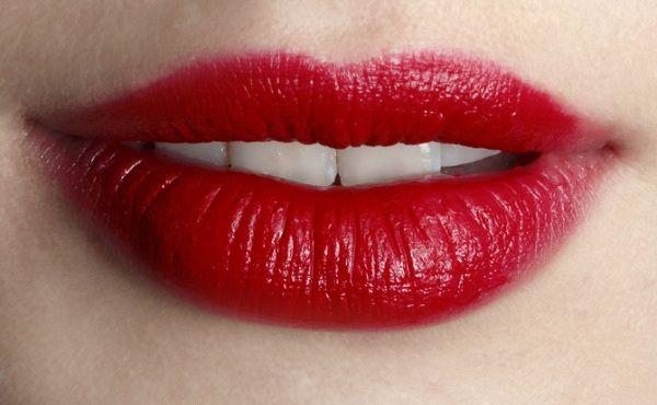 Tuyệt chiêu giúp các bạn gái tô son môi đẹp