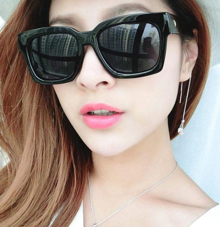 5 kiểu kính mát cho các nàng đi biển tha hồ sành điệu