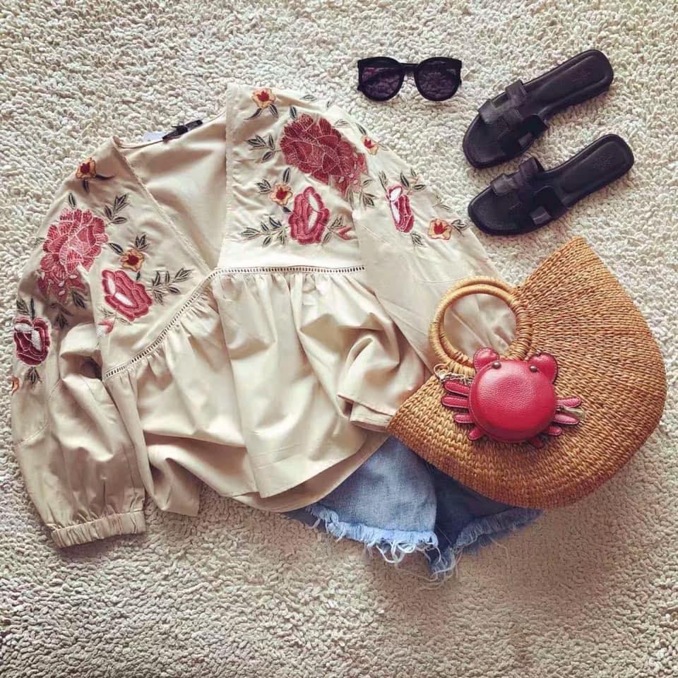 Áo babydoll hoạ tiết thêu siêu xinh cho các nàng diện hè