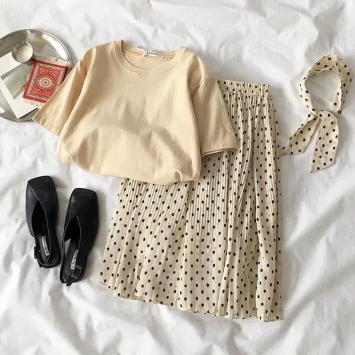 Áo phông và chân váy dài – set đồ siêu xinh cho các nàng