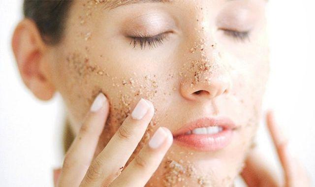 Chăm sóc da mặt đúng cách tại nhà các nàng cần biết