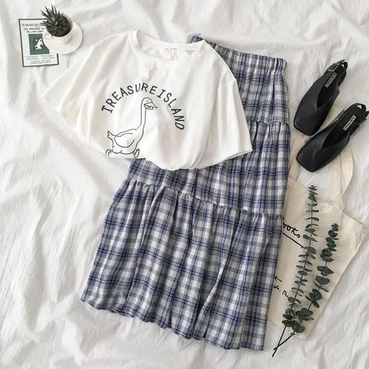 Chân váy dài và áo phông – bạn đã thử chưa?