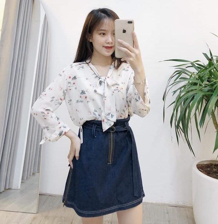 Chân váy jean cùng áo sơ mi – cho nàng chuẩn phong cách Hàn Quốc