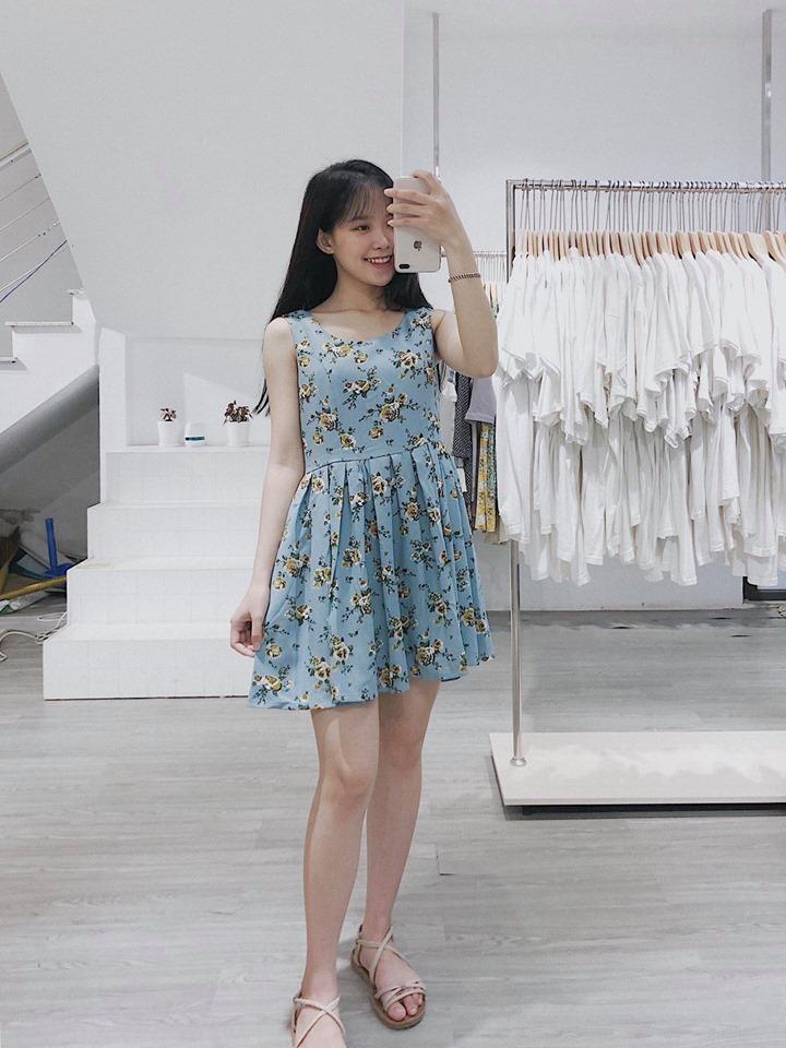 Mê mẩn cùng những mẫu váy hoạ tiết hoa nhí dễ thương