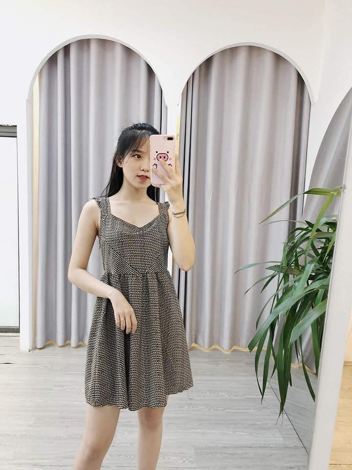 Váy liền 2 dây – item không thể thiếu cho các nàng ngày hè