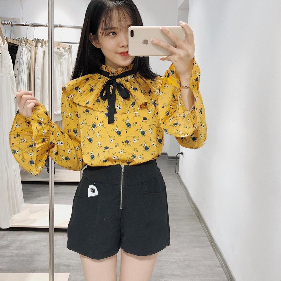 Nổi bật với áo sơ mi nữ dài tay họa tiết Hàn Quốc
