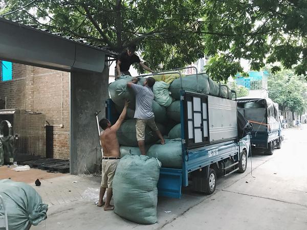 Bán buôn kiện hàng thùng