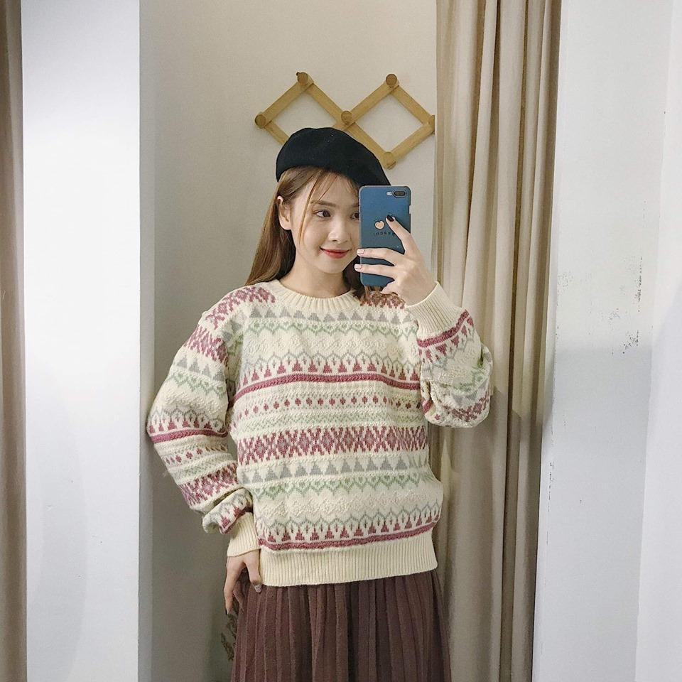 Diện áo len cố tròn vừa xinh vừa hợp thời trang