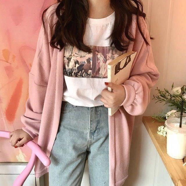 Hoá nàng thơ với áo len hồng pastel mùa đông này