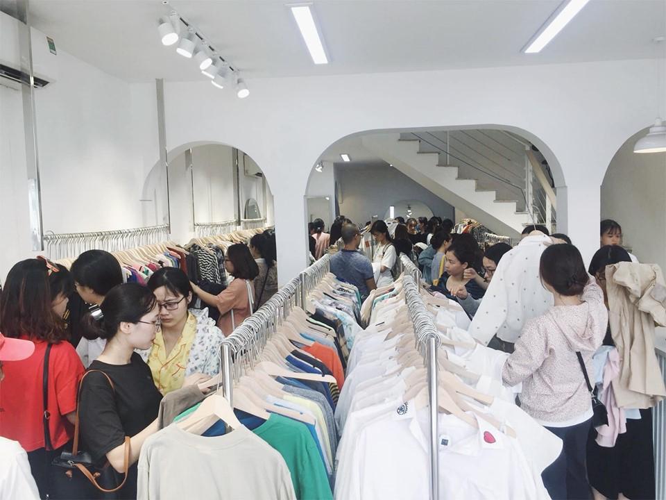 Quần áo hàng thùng Hàn Quốc