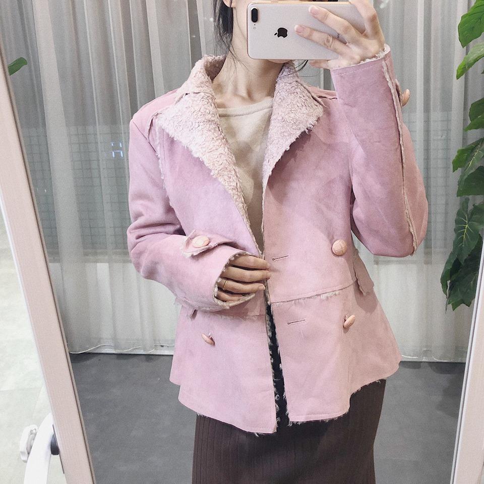 Áo khoác da lộn – item cho mọi cô gái trong mùa đông