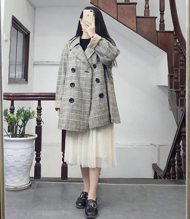 Diện áo khoác kẻ caro cho cô nàng cá tính vào mùa thu đông