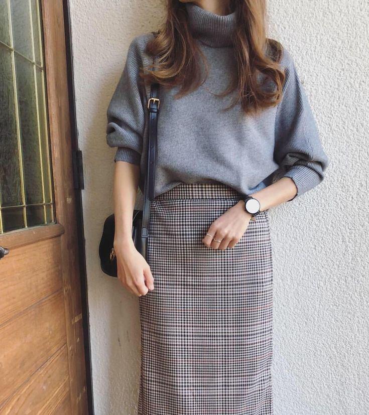Mix áo nỉ, áo len với chân váy siêu xinh cho nàng thêm nổi bật