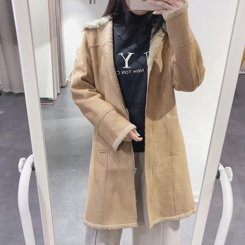 Phối đồ với áo khoác tone nâu, nàng vừa xinh vừa sành