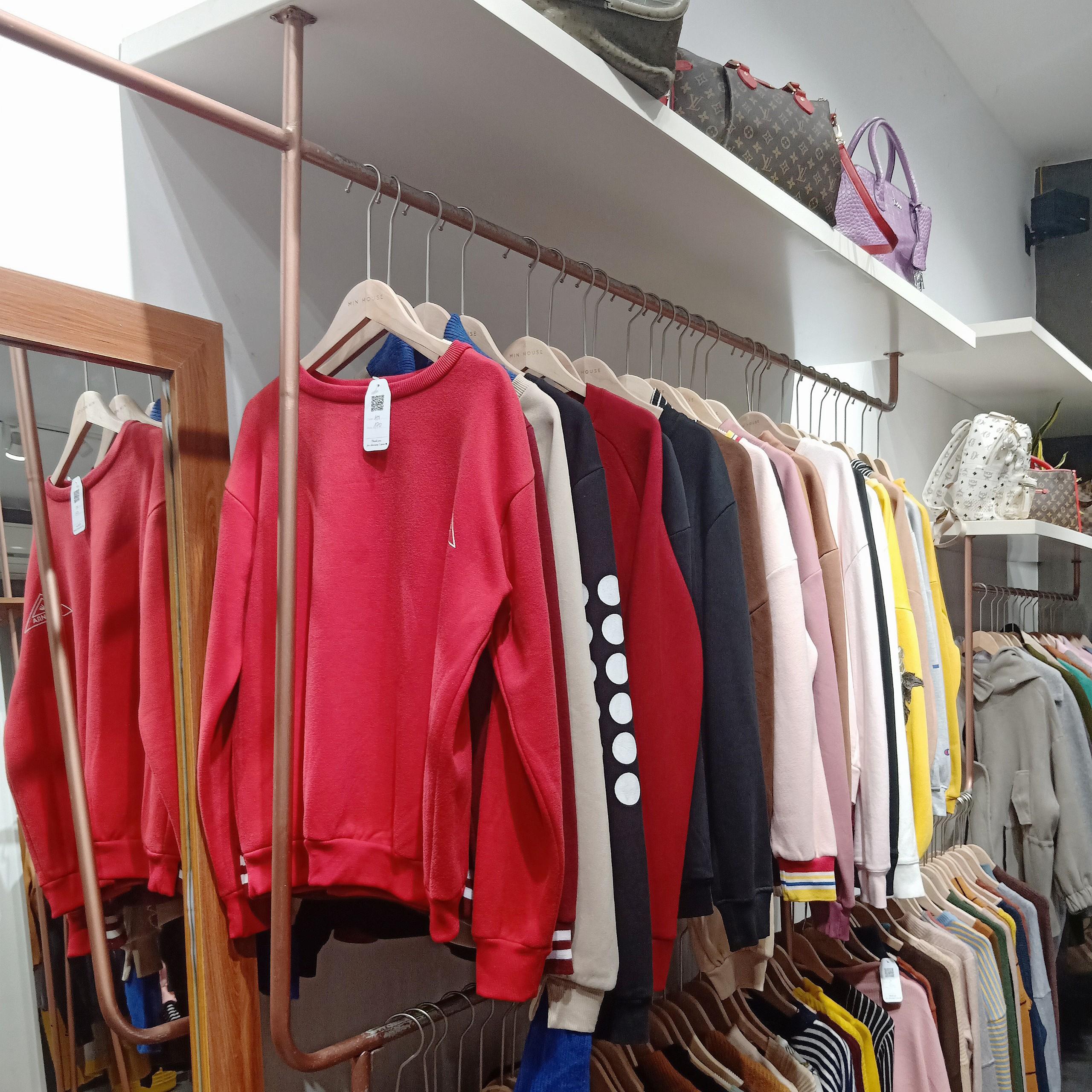 """Quần áo hàng thùng tại Min House rẻ, đẹp, chất - """"Một thùng"""" quảng cáo không bằng một """"gáo"""" review"""