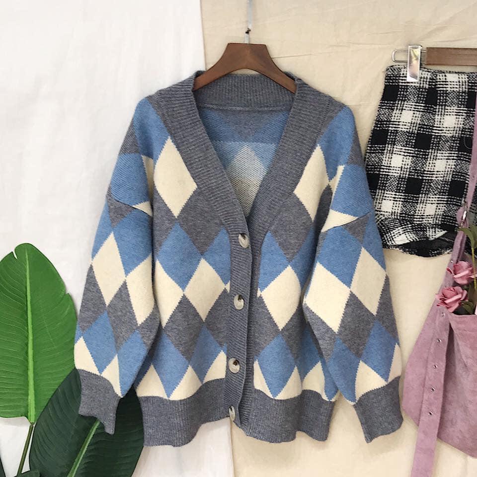 Áo len hàng thùng – món đồ yêu thích của nhiều chị em khi đông đến