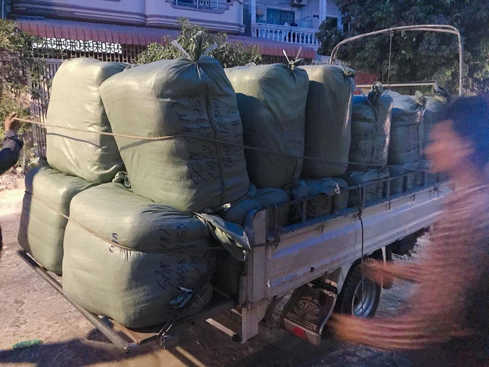 Bán buôn hàng thùng tại Hà Nội