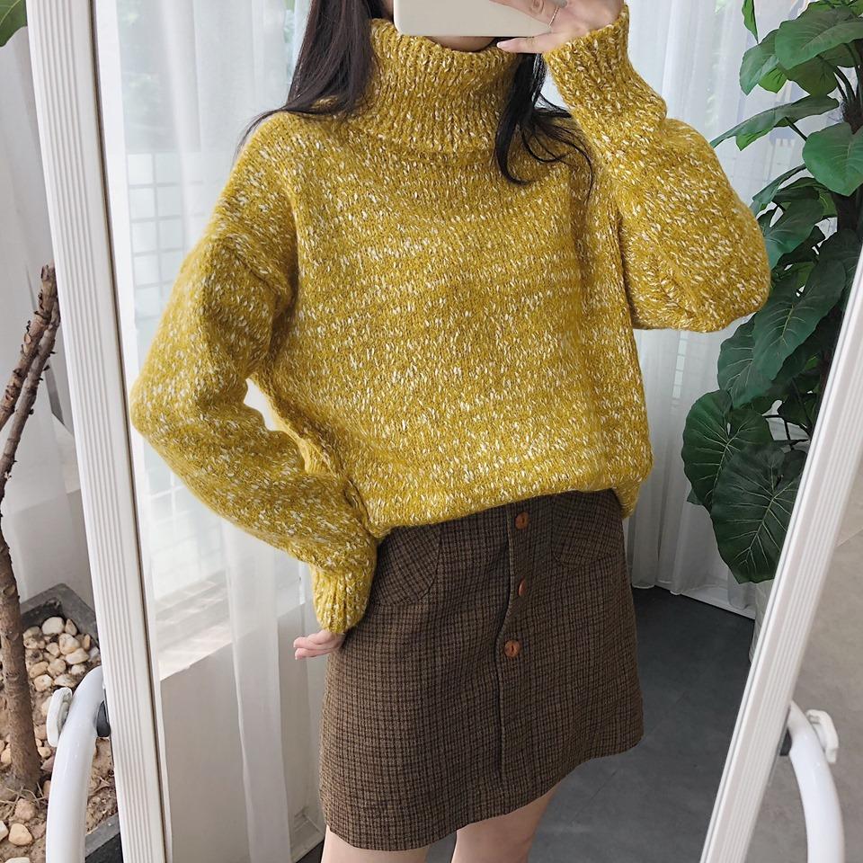 Mix áo len cổ lọ với chân váy siêu xinh, siêu năng động