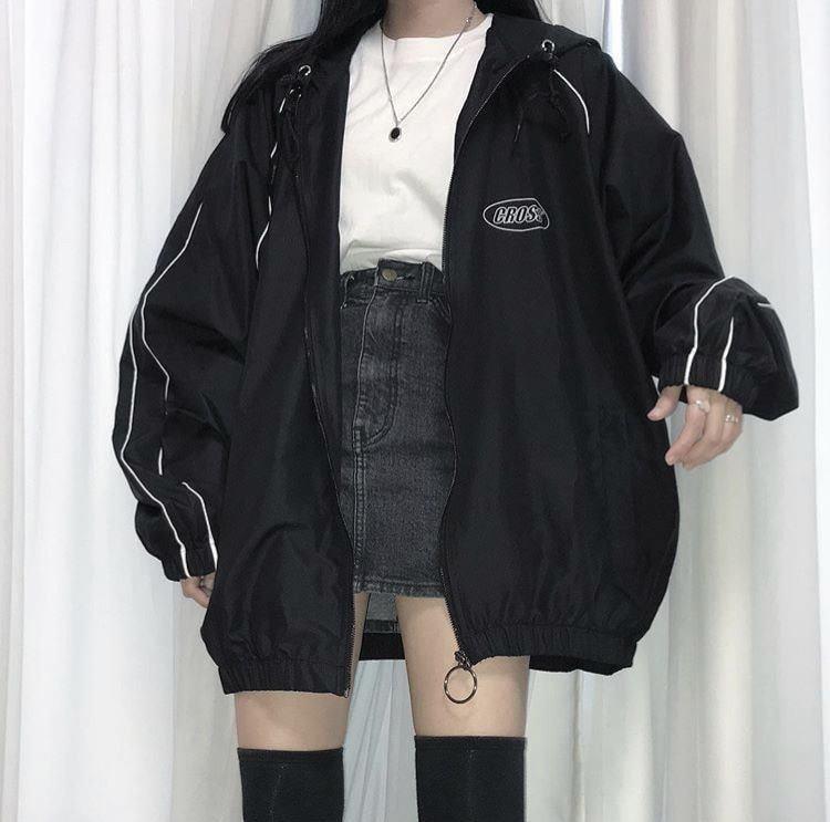 5 cách mix áo khoác bomber cho cô nàng cá tính đông này