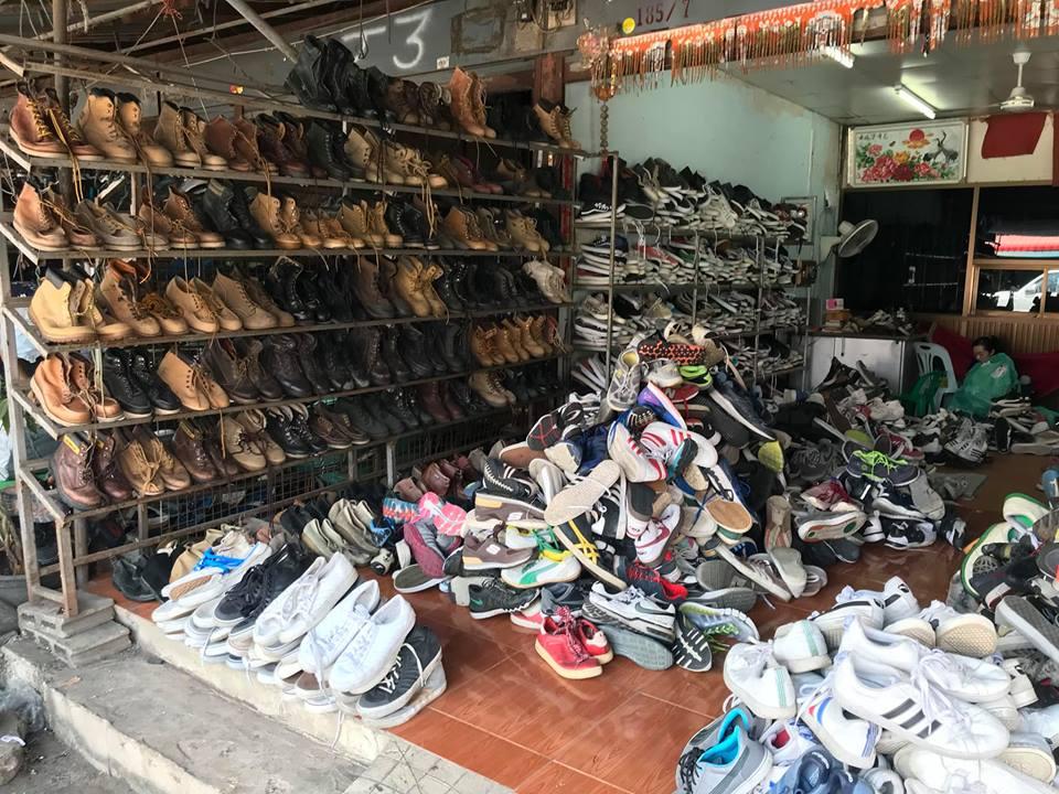 Bán buôn giày dép hàng thùng