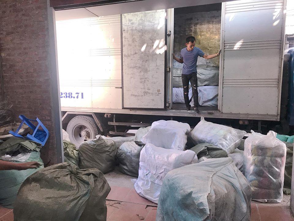 Bán buôn quần áo hàng thùng tại Hà Nội