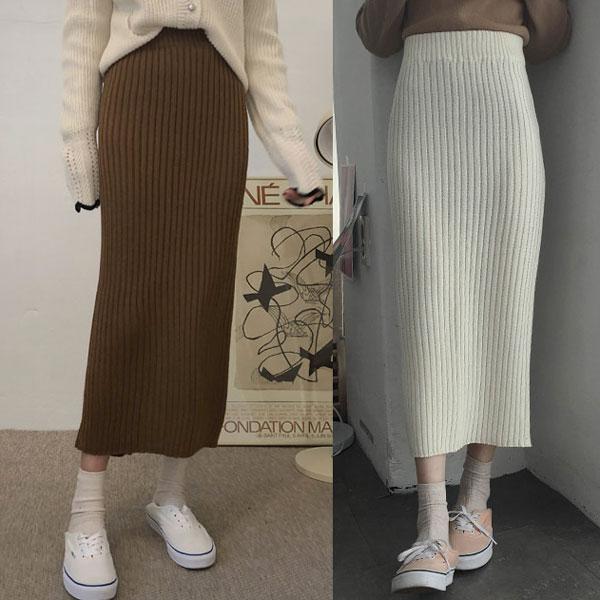 Tuyệt chiêu mix đồ đẹp với chân váy len dài cho các nàng