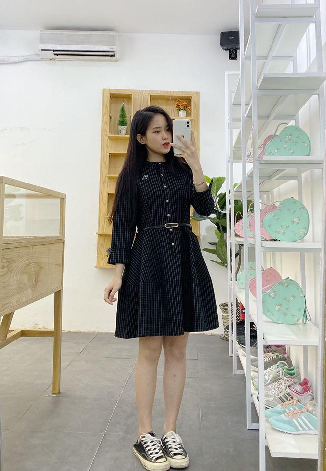 Váy dài dáng xoè với tone đen cho nàng quyến rũ và chanh sả hết cỡ