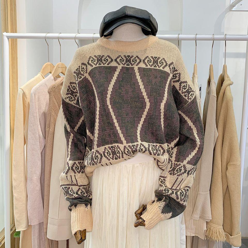 Áo len hoạ tiết siêu xinh cho nàng thêm nổi bật
