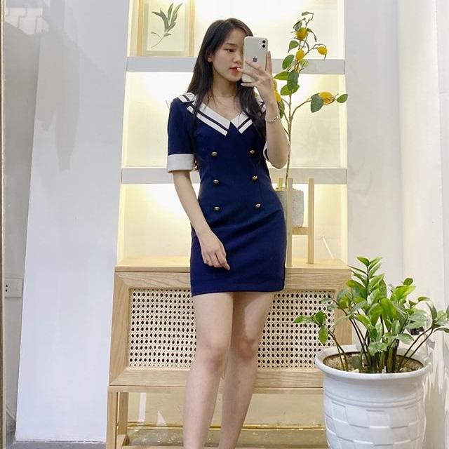 Đầm xanh navy siêu sang trọng và chanh sả cho các nàng
