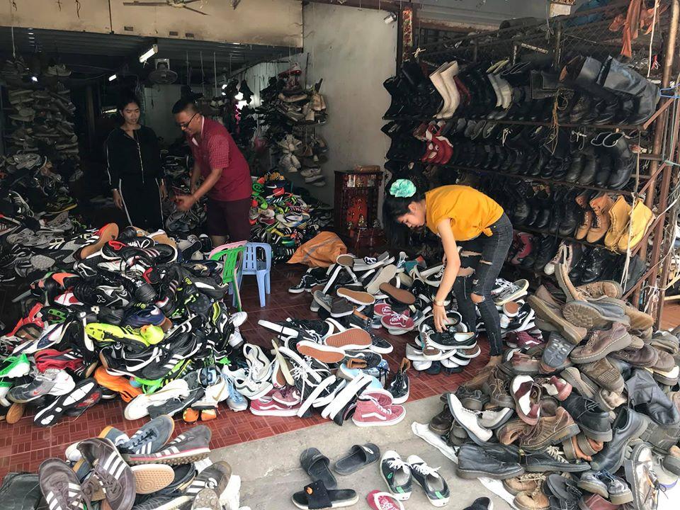 Giày hàng thùng