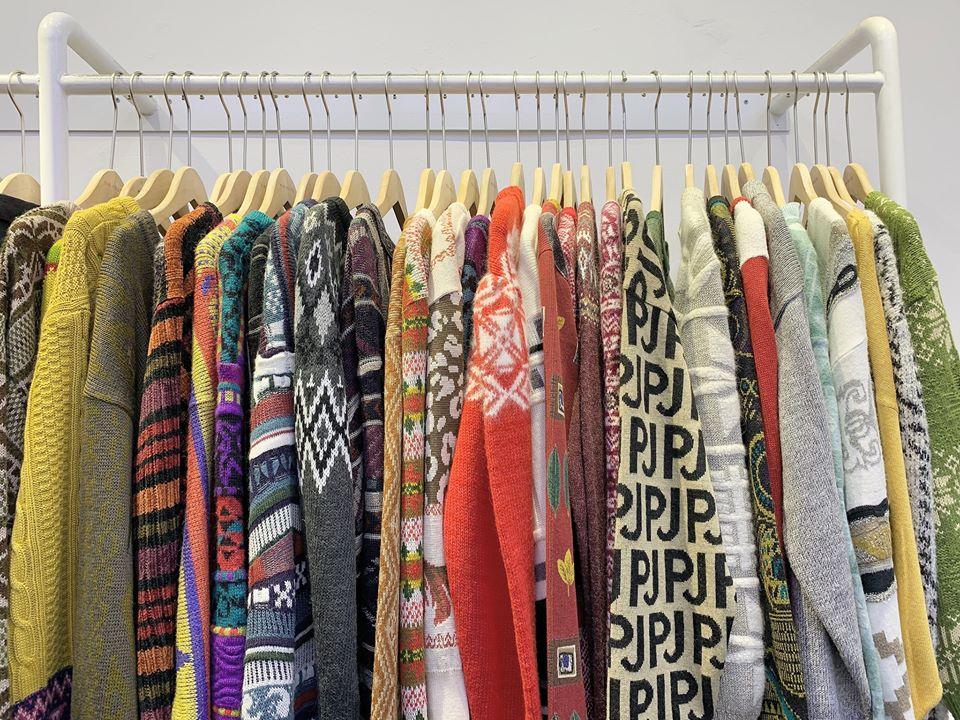 Kinh doanh quần áo hàng thùng – Tại sao lại hot đến vậy?