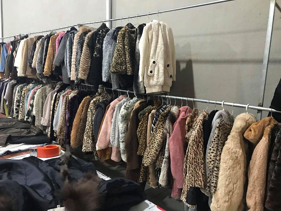 Quần áo hàng thùng – đã mê là không thể hết nghiện