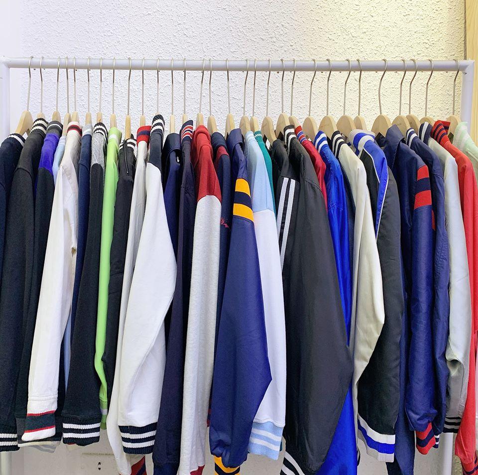 Min House chia sẻ kinh nghiệm bán quần áo hàng thùng nguyên kiện