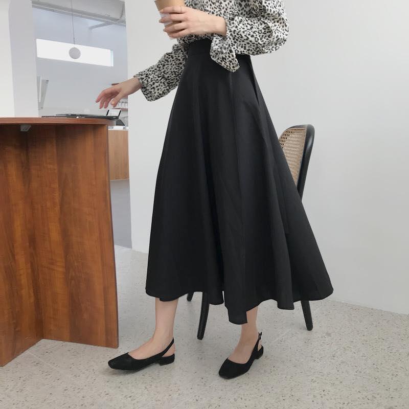 Nữ tính, thanh lịch với chân váy xoè nhà Min