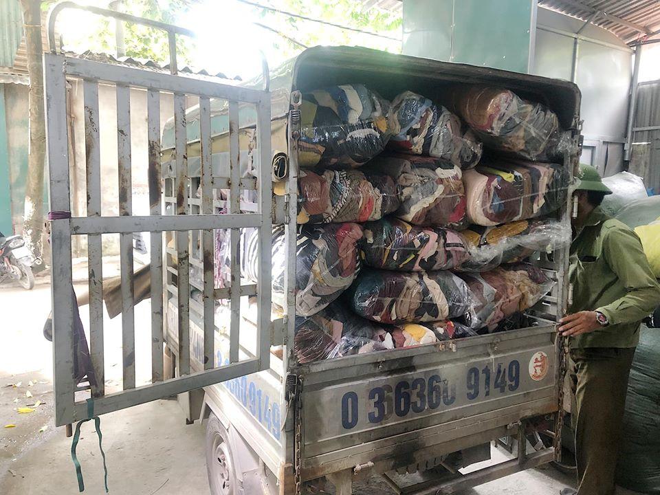 Quần áo hàng thùng bán buôn nguyên kiện