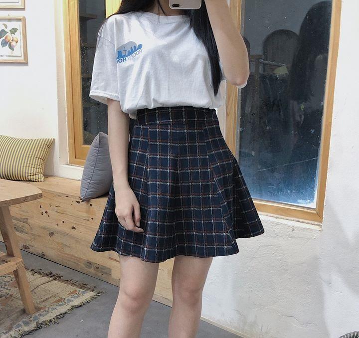 Chân váy kẻ caro – Item đốn tim các nàng yêu phong cách trẻ trung