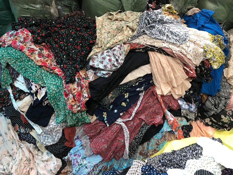 Bán buôn hàng thùng nguyên kiện Campuchia và những điều bạn cần biết