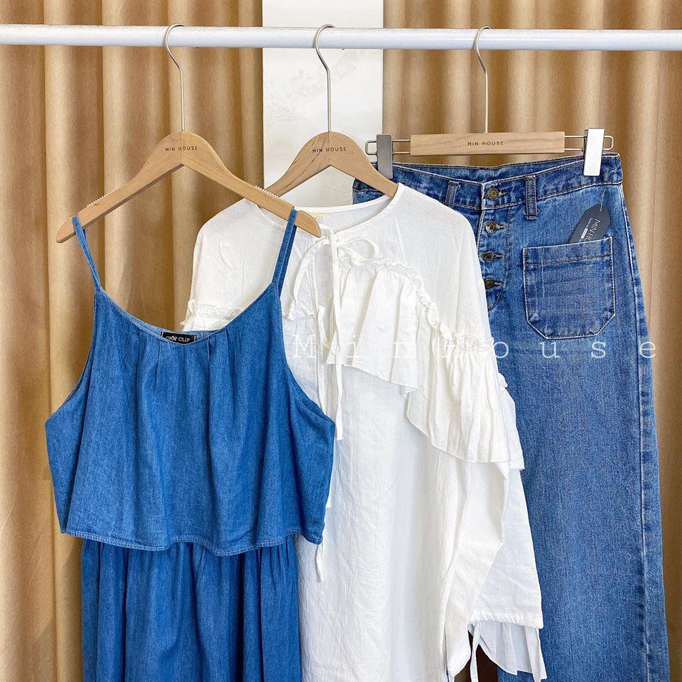 Jean xanh và áo sơ mi trắng – thời thượng và năng động