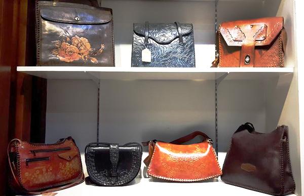 Túi xách hàng thùng - Nguồn gốc và lý do được ưa chuộng