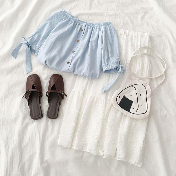 Áo thun và croptop – mix cùng chân váy dài siêu xinh và ngọt ngào