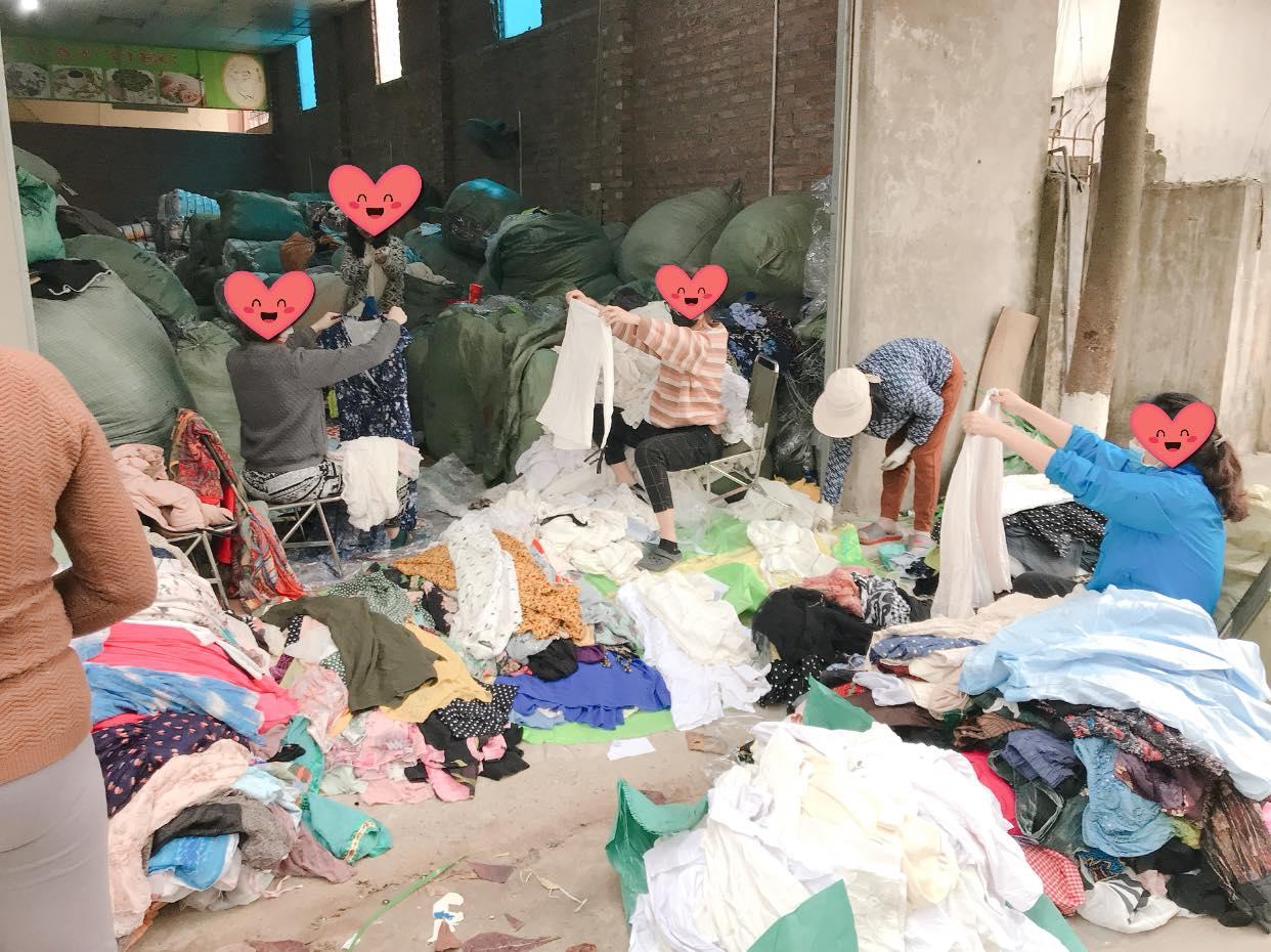 Bật mí kinh nghiệm bán quần áo hàng thùng nguyên kiện hiệu quả