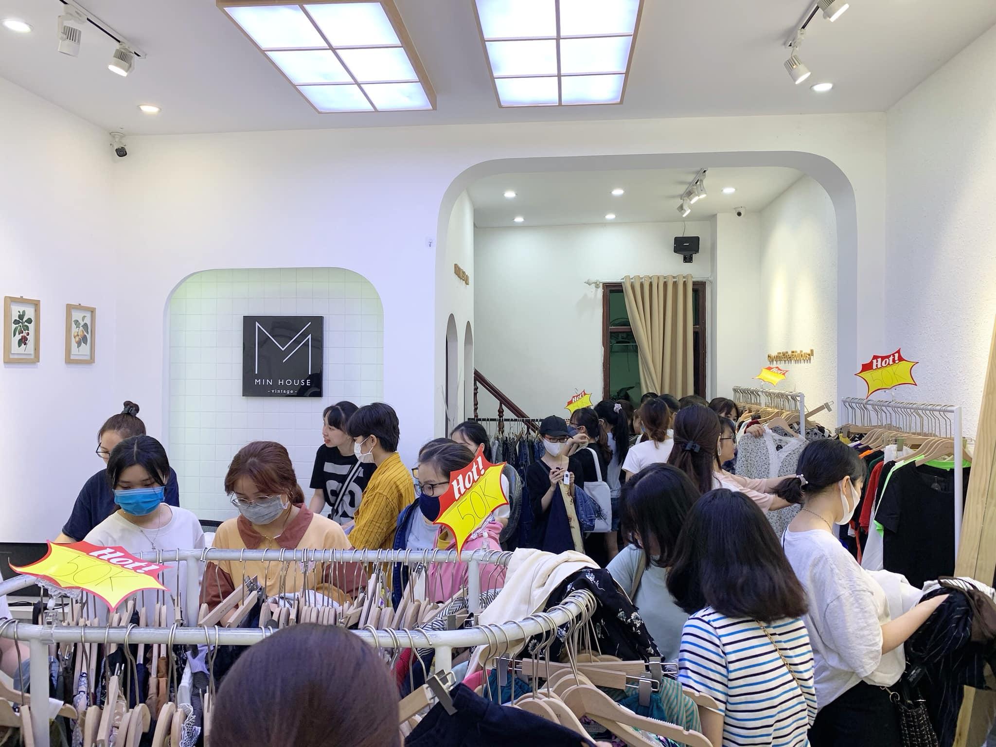 Có nên khởi nghiệp kinh doanh quần áo hàng thùng Hàn Quốc không?