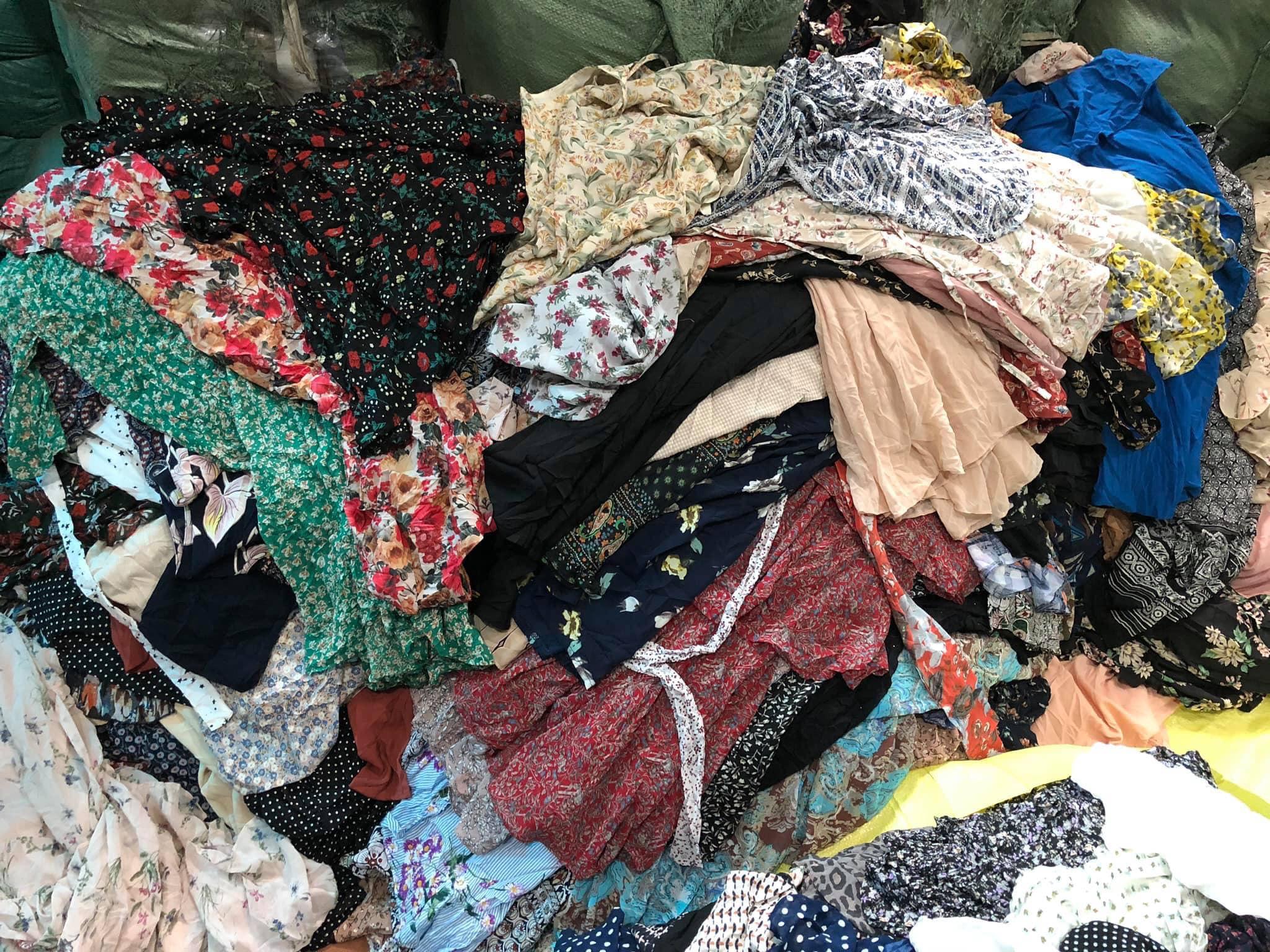 Địa chỉ cung cấp quần áo hàng thùng nguyên kiện giá rẻ với số vốn ít