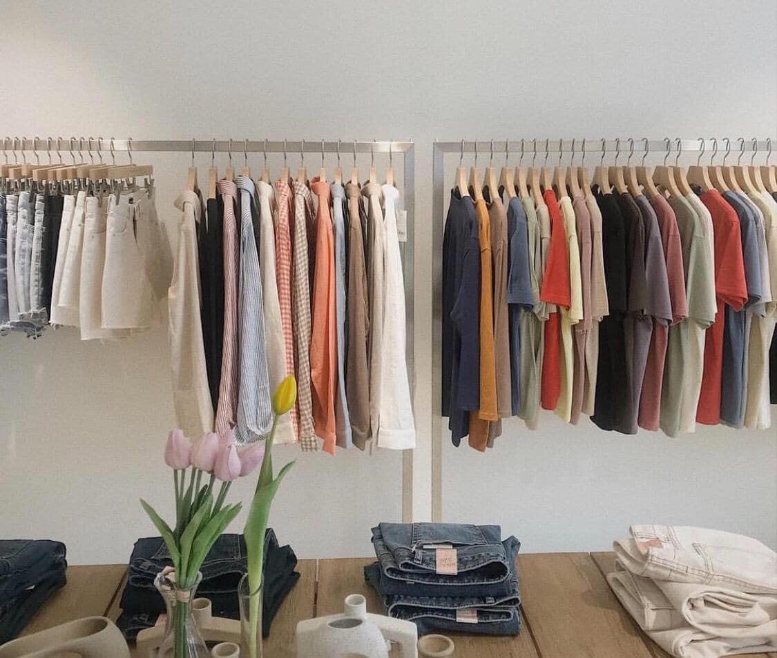 Làm giàu bằng bán buôn, bán lẻ quần áo hàng thùng giá rẻ