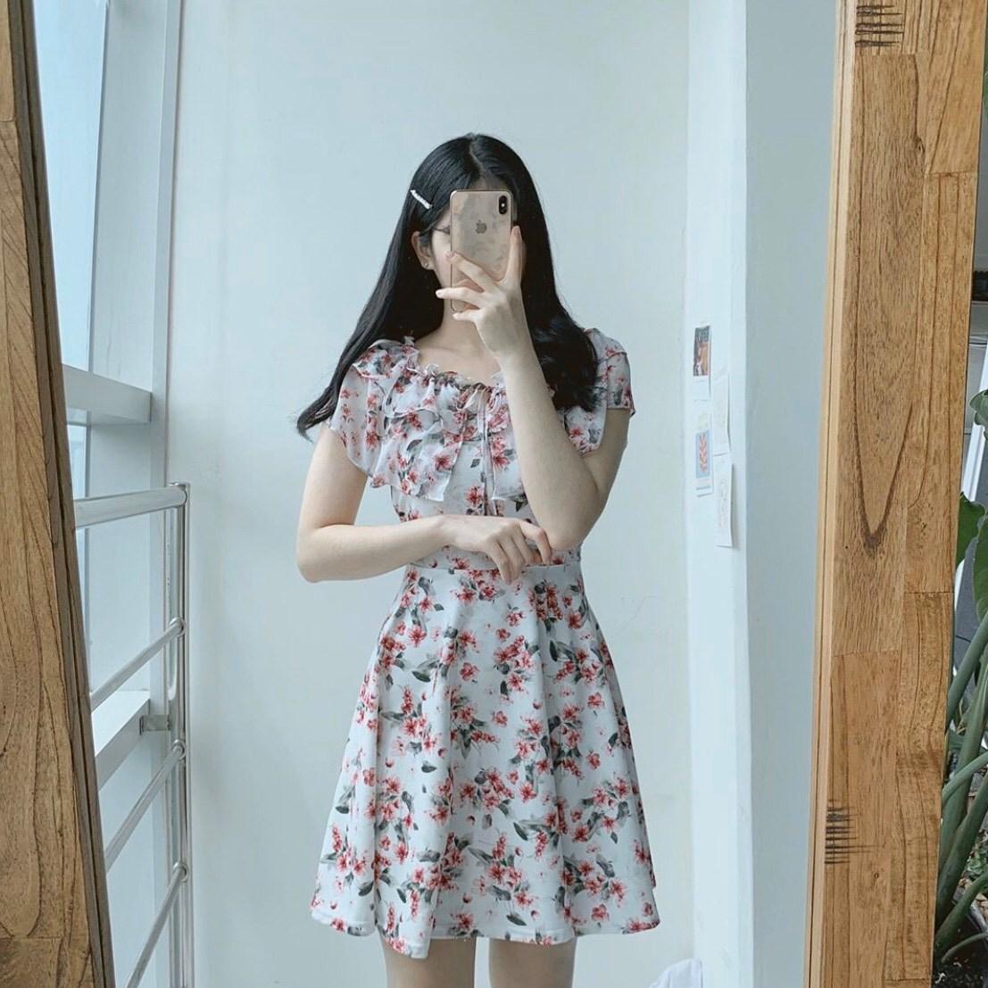 Váy liền siêu gọn gàng, tiện lợi cho những ngày mưa gió