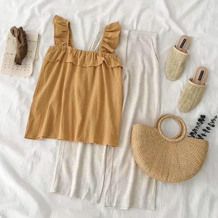 Mix chân váy midi và áo hai dây cho nàng thêm xinh xắn, đáng yêu